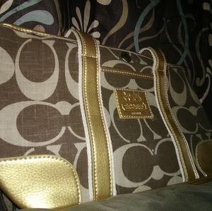 Handbags - Coach medium bag